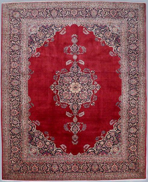 قرمز تیره رنگ غالب در مدلهای فرش قزوین